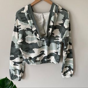 wild fable Tops - WILD FABLE Camo Pullover Crop Hoodie Green Medium